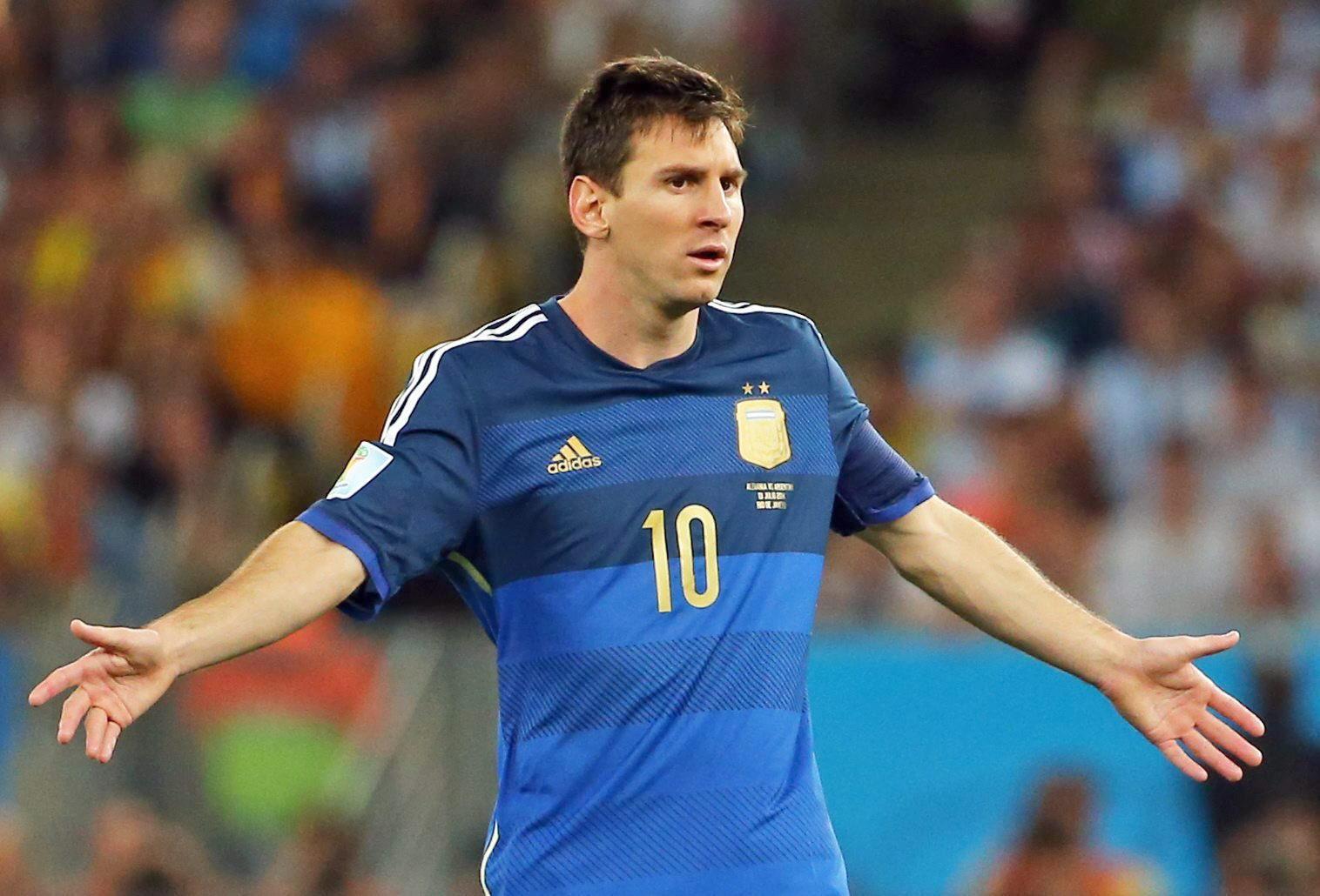La injusta decisión de la FIFA  Messi es nombrado mejor jugador del ... 1c8ec95acc1c3