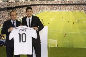 Florentino presentando a James Rodríguez