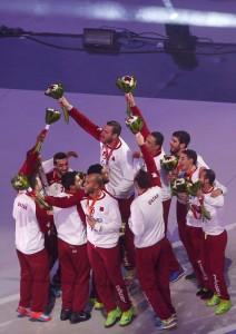 Los jugadores de Catar con la medalla de plata