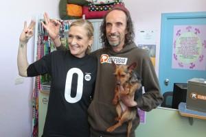 Cristina Cifuentes con Nacho Paunero, en su visita al Centro vetrinario de El Refugio