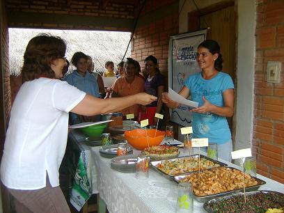 Capacitación en preparación de alimentos. Foto: Nancy Rojas, AeA Paraguay
