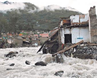 Río Quime se lleva varias casas. Foto: Diario La Razón
