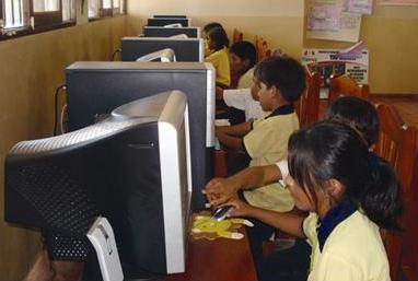 Niños que ya tienen acceso a telecentros. Foto: Ayuda en Acción Bolivia
