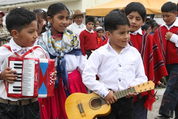Los niños, niñas y jóvenes son los protagonistas de esta segunda edición de la Fiesta del Sol - PLAN Ecuador