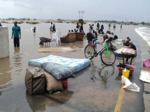 Carretera a Guija. Unas 150.000 personas han tenido que dejar sus casas (© MSF).