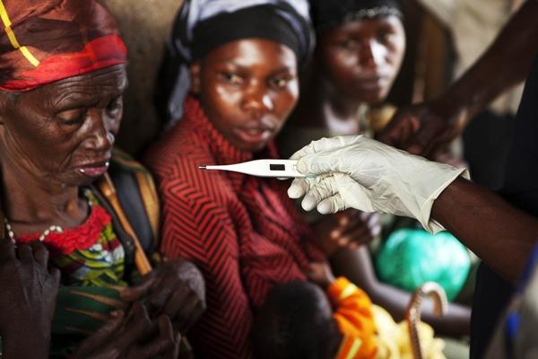 Intervención de emergencia de MSF en Minova y Kalungu para atender a los desplazados por el conflicto (Kivu Sur, abril de 2012) © Juan Carlos Tomasi.