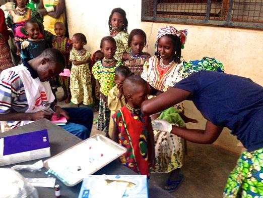 Tras la destrucción de los centros de salud, MSF puso en marcha clínicas móviles. Fotografía: Natalie Roberts/MSF