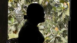 Mamawa de 23 años tiene una hija y trabaja en las calles para mantenerla