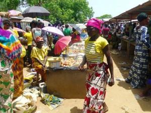 Mercado Ndele. Arthur Roger/MSF