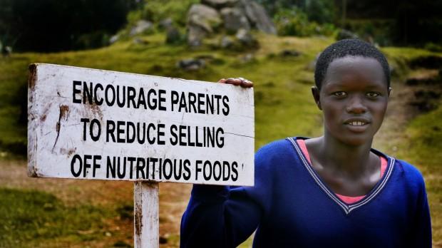 Una de las trabajadoras sociales en Uganda. (UNICEF Uganda/2014/Eva Gilliam)
