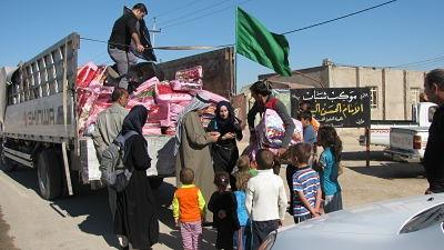 MSF presta asistencia a las familias de desplazados internos en Diwaniya, Kerbala y Babil, en el sur de Irak, con la distribución de KIT sanitarios, atención a través de  clínicas móviles y promoción de la salud. Fotografía: MSF