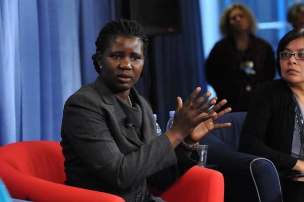 Grace en una charla en la sede de Unicef. (© UNICEF/NYHQ2013-0136/Markisz )