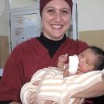 Elodie Barniet, enfermera pediátrica de MSF en la maternidad de Kabul. Fotografía de Mathilde Vu/MSF