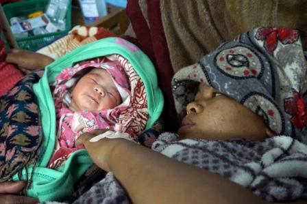 Maya Danukhe dio a luz por cesárea el 1 de mayo