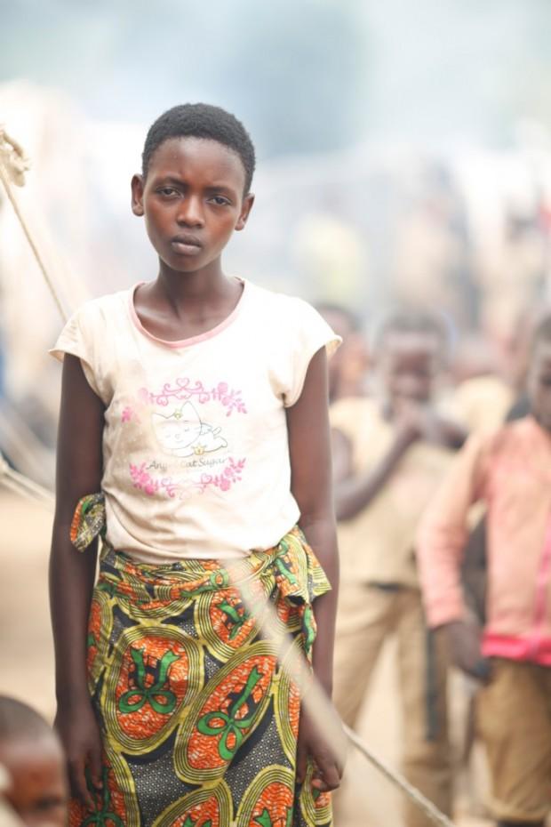 Beza, niña nuérfana de Burundi, en el campo de refugiados de Mahama en Ruanda.