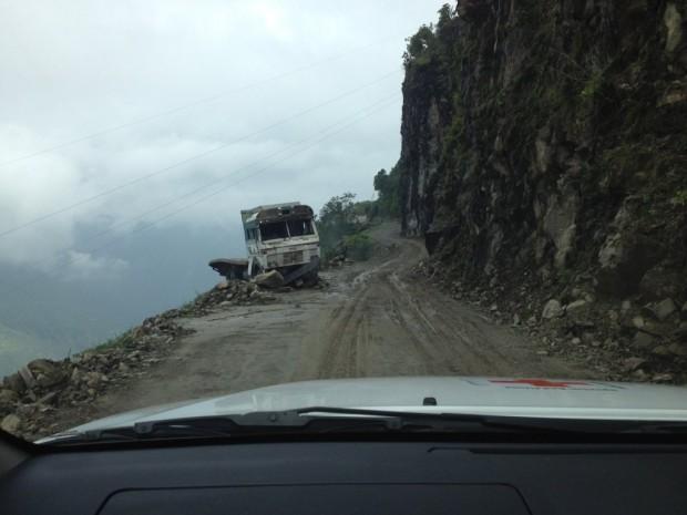 El monzón ocasionará deslizamientos de tierra y bloqueará caminos como el que conduce a Rasuwa.