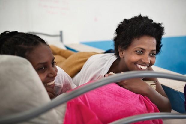 Anna tiene 21 años y es de Eritrea. Llegó al puerto siciliano de Pozzalo en un barco desde Libia.