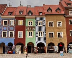 casitas-delgadas-de-colores-poznan