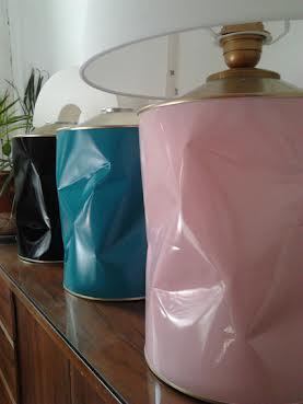 Lamparas diseñadas a partir de latas de café.