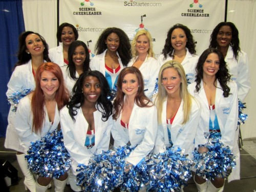 Las animadoras de la ciencia. Science Cheerleaders.
