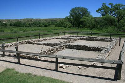 Muros reconstruidos del pueblo en El Cuartelejo (Kansas, EE. UU.). Sarah Trabert.