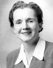La bióloga estadounidense Rachel Carson, considerada una de las fundadoras del ecologismo moderno. FWS.