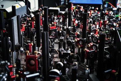 Un bosque de elementos ópticos en el sistema empleado por Hanson. Hanson lab@TUDelft.