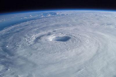 Imagen del huracán atlántico Isabel tomada por el astronauta Ed Lu desde la Estación Espacial Internacional en septiembre de 2003. NASA.