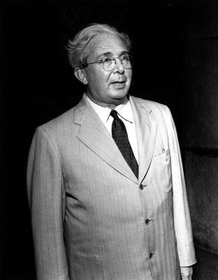 El físico húngaro Leó Szilárd, hacia 1960. USDE.