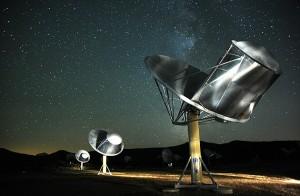 La matriz de telescopios Allen (ATA), en el radioobservatorio de Hat Creek, en California. Imagen de Seth Shostak.