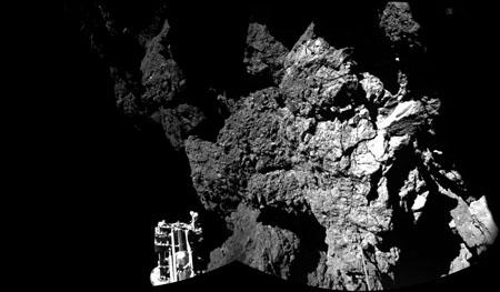 Una de las primeras fotos tomadas por el módulo 'Philae' sobre el cometa 67P/Churyumov-Gerasimenko. Imagen de ESA/Rosetta/Philae/CIVA.