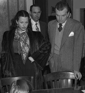 Hedy Lamarr y su tercer marido John Loder, en 1946. Imagen de Los Angeles Times / Wikipedia.