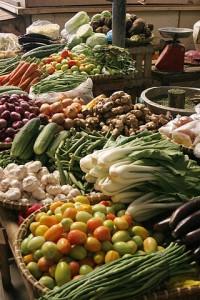 Una dieta sana con frutas, verduras y lácteos aporta más microbios. Imagen de Jasper Greek Golangco / Wikipedia.