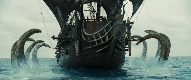El Kraken ataca la 'Perla Negra' en 'Piratas del Caribe: El cofre del hombre muerto'. Imagen de Walt Disney Pictures.