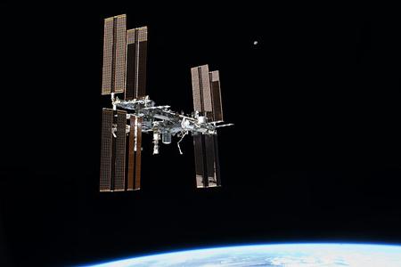 La ISS fotografiada desde el transbordador espacial 'Atlantis' el 19 de julio de 2011. Imagen de NASA.