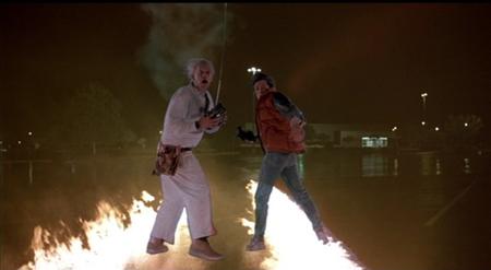 Marty McFly y Emmett Doc Brown en 'Regreso al futuro'. Imagen de Universal Pictures.