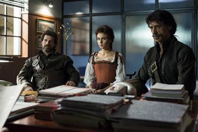 Algunos de los protagonistas de 'El Ministerio del Tiempo'. Imagen de rtve.es.