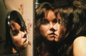 Barbara Hershey en un fotograma de la película 'El ente' (1982), de Sidney J. Furie. Imagen de 20th Century Fox.