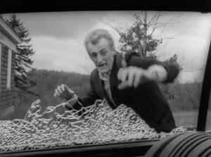 Así empezó todo. El primer zombi de 'La noche de los muertos vivientes' de George A. Romero (1968). Imagen de The Walter Reade Organization.