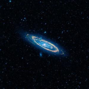 La galaxia de Andrómeda, vista en infrarrojos por el telescopio WISE de la NASA (no es una de las candidatas). Imagen de NASA.