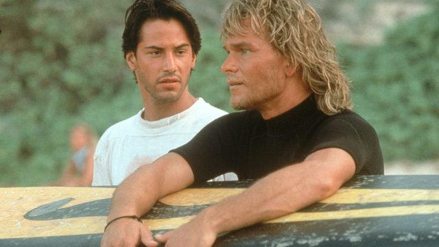 Keanu Reeves (i) y Patrick Swayze (d) en 'Le llaman Bodhi'