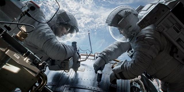 Sandra Bullock y George Clooney en 'Gravity' (WARNER BROS.)