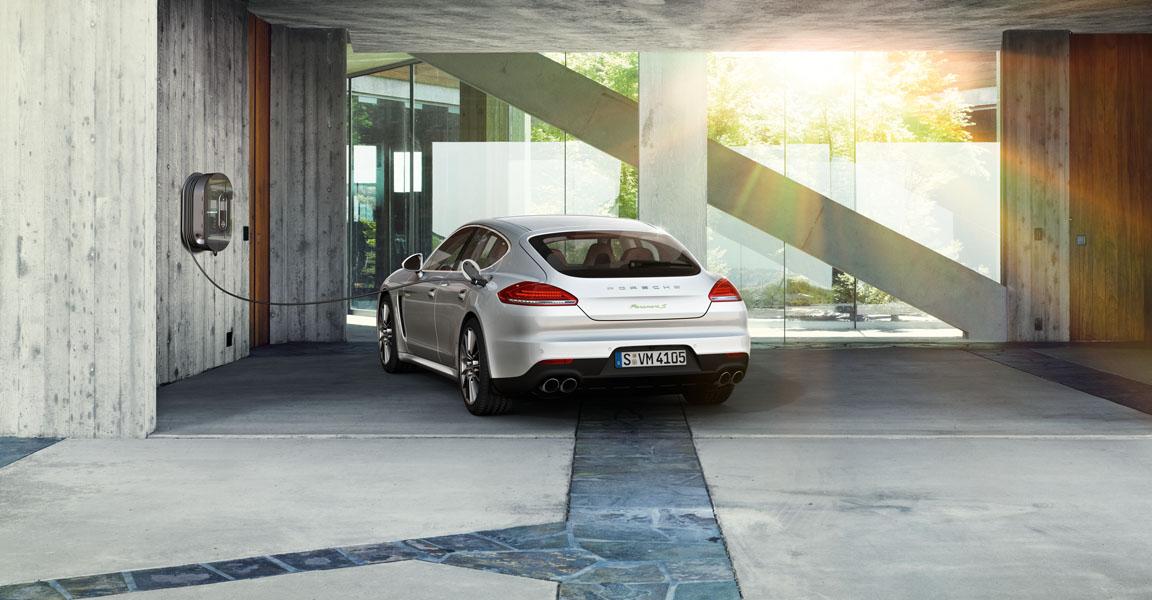 Porsche Panamera S Hybrid home