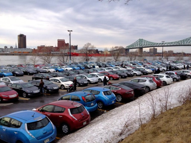 world-record-attempt-for-most-plug-in-electric-cars-gathered-in-one-place-montreal-april-2014_100464803_m