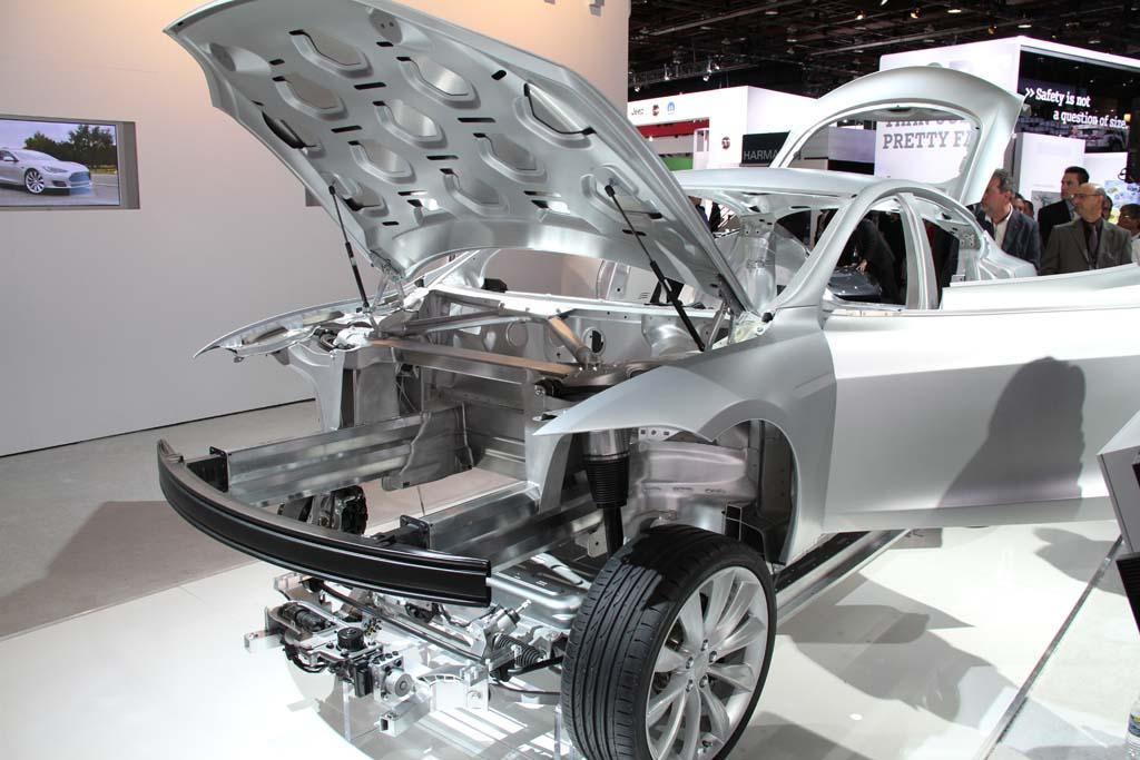 Tesla-Model-S-skeleton