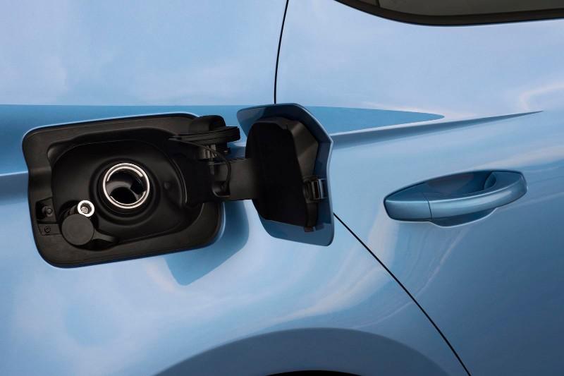 seat-leon-ecomotive-2014-y-seat-leon-tgi-bajos-consumos-con-diesel-o-gas