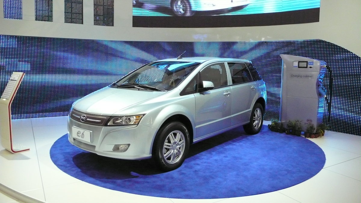Byd_e6_crossover1