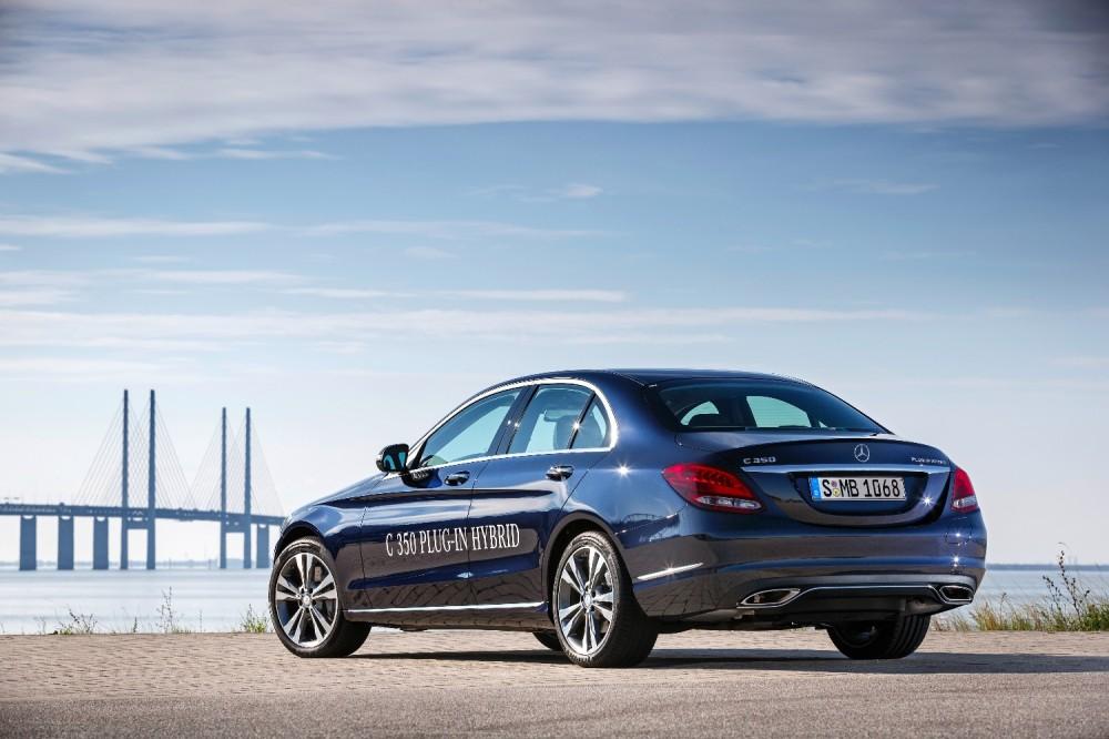 Mercedes-C350-Plug-In-Hybrid--primer-hibrido-enchufable-de-la-Clase-C
