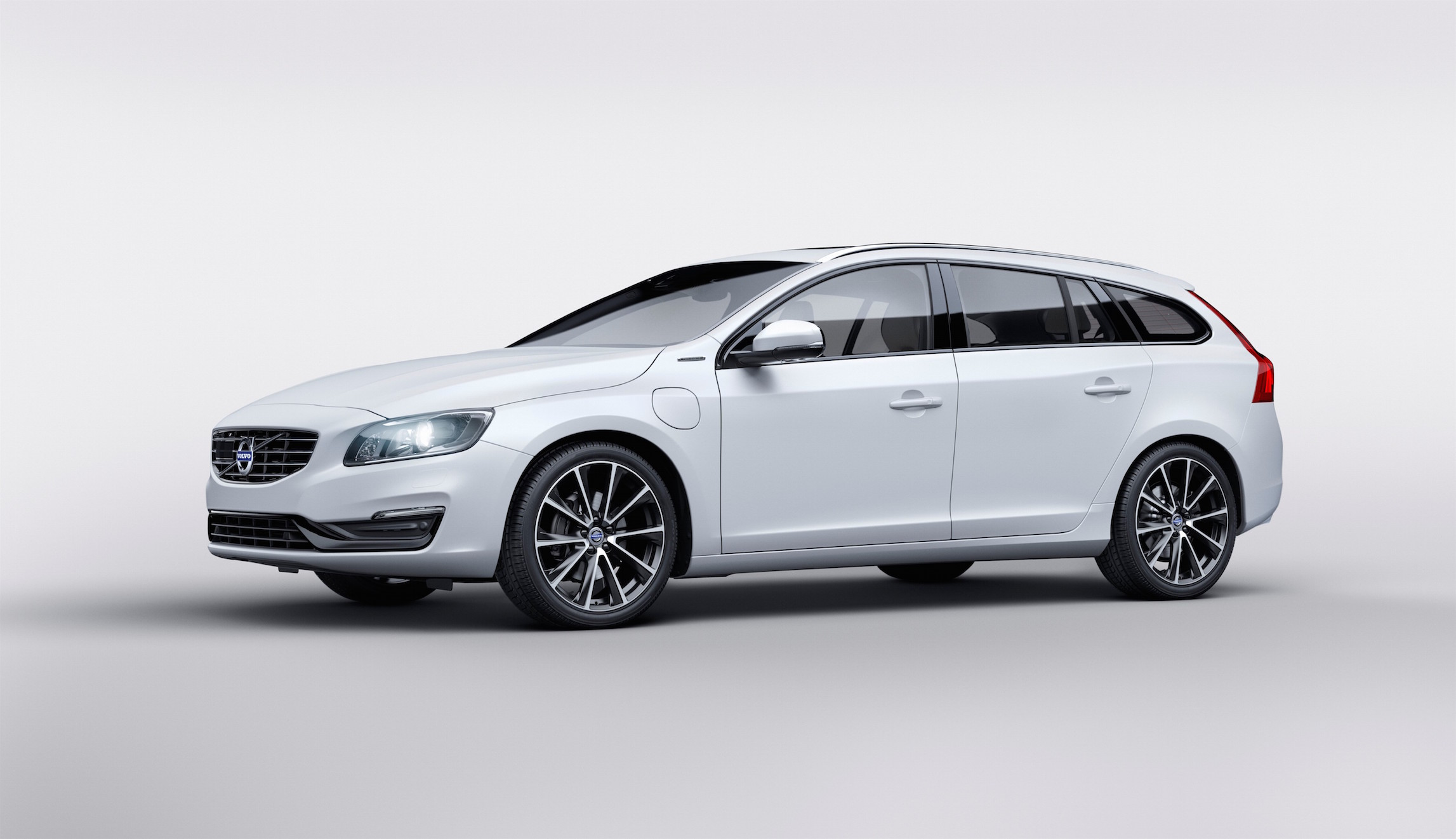 volvo-s60l-t6-twin-engine-auto-shanghai-2015