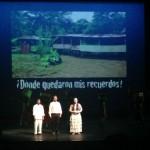 El colectivo Madres de Soacha, durante la representación de una obra teatral.